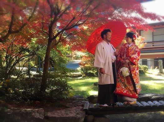 画像に含まれている可能性があるもの:2人、立ってる(複数の人)、木、屋外、自然