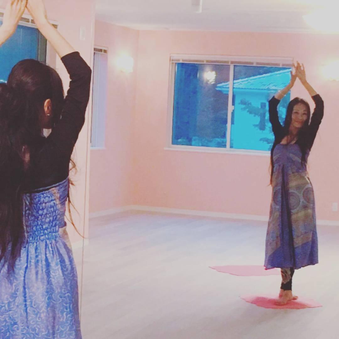 麗しき舞の女神Kikiさま御来店 スペースフローリアに華が開く 12/1(土)イベント決定です✨ 女神性を開花させちゃいましょう💓💓