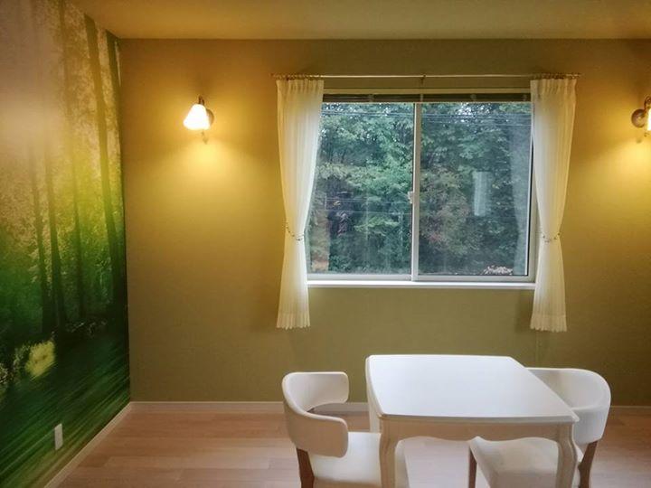 画像に含まれている可能性があるもの:テーブル、室内